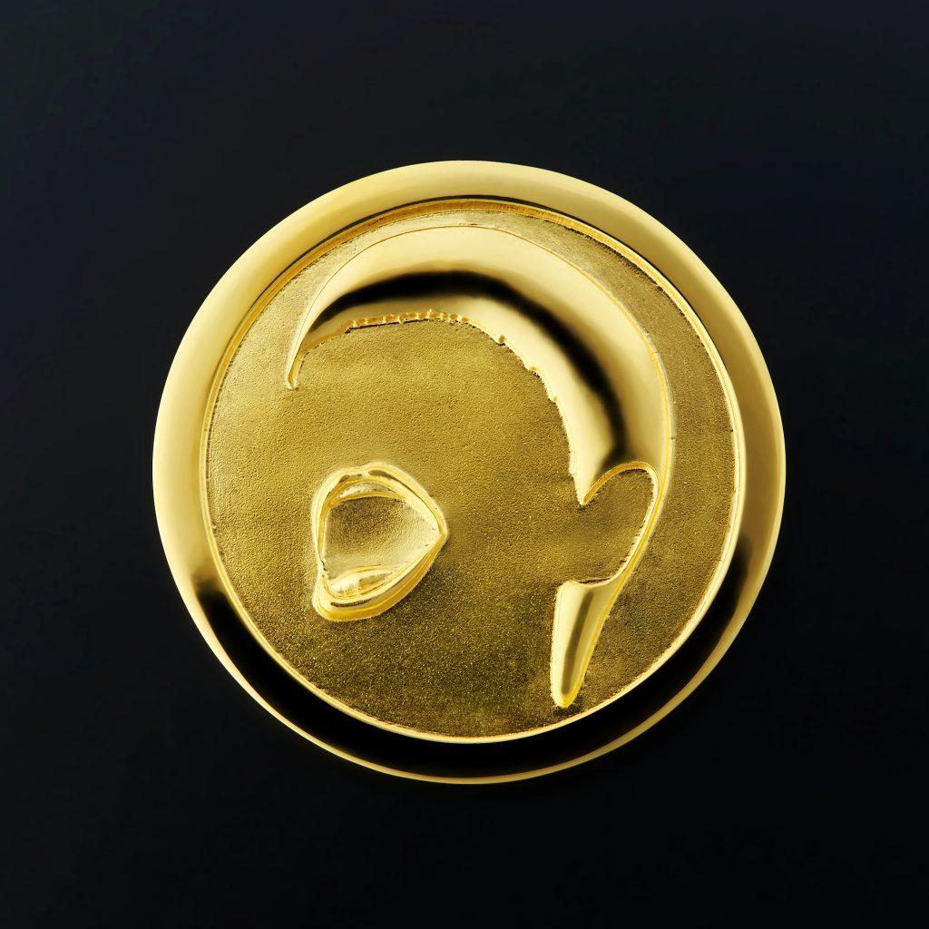 「和田アキ子」デビュー50周年記念メダル
